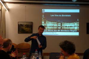 Wine-Tasting-Bordeaux_01102_B